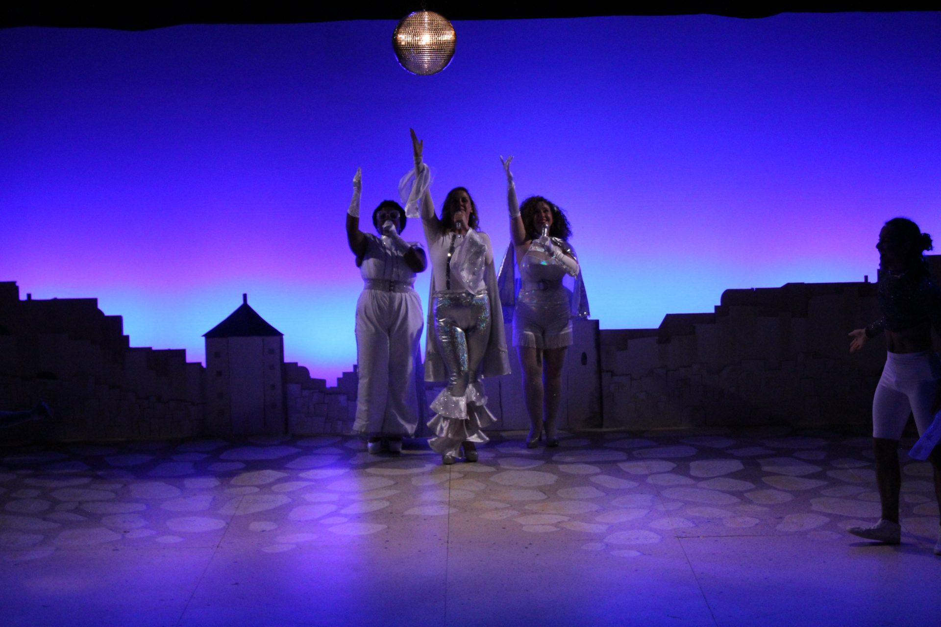 Finale Mamma Mia!, costume design by Katharine Tarkulich